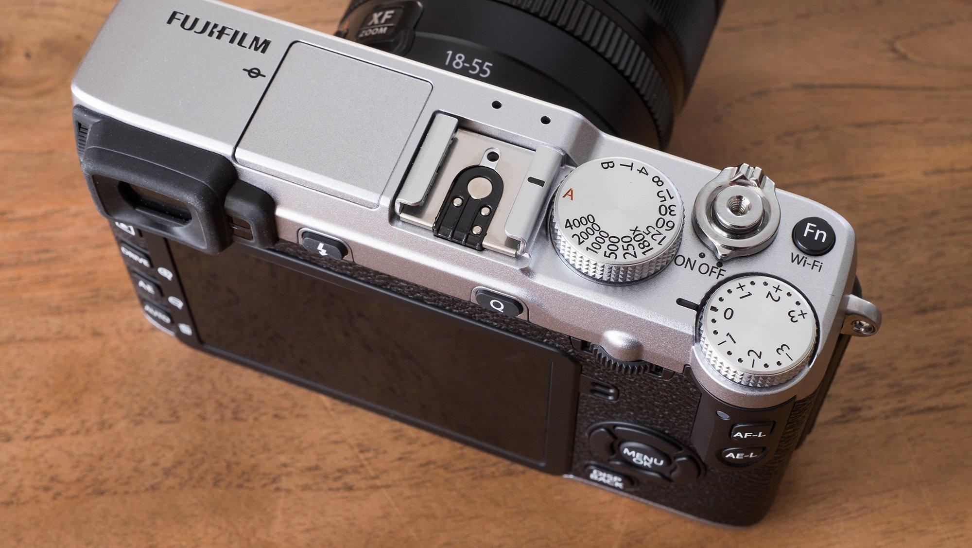 Fujifilm X E2S Dials