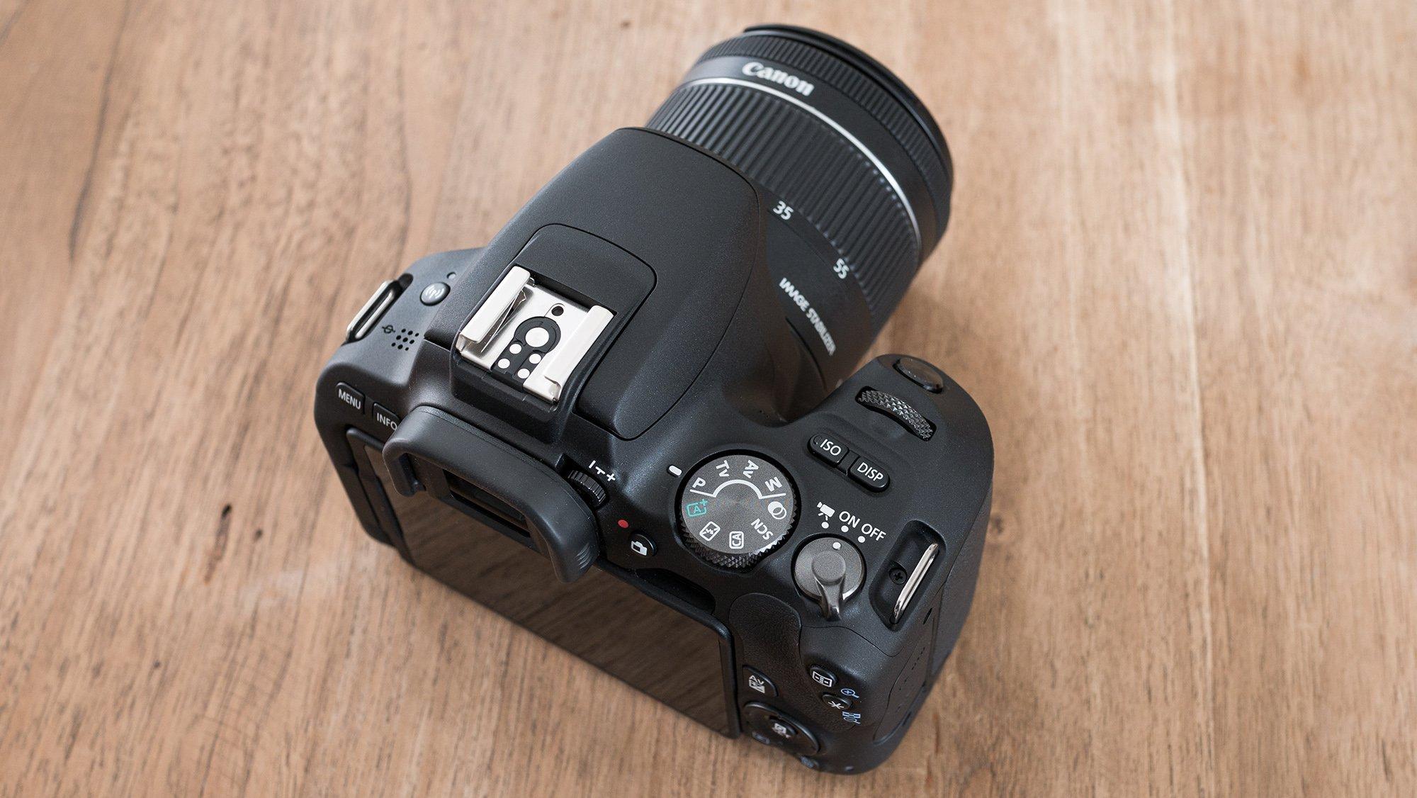 Canon EOS 200D top