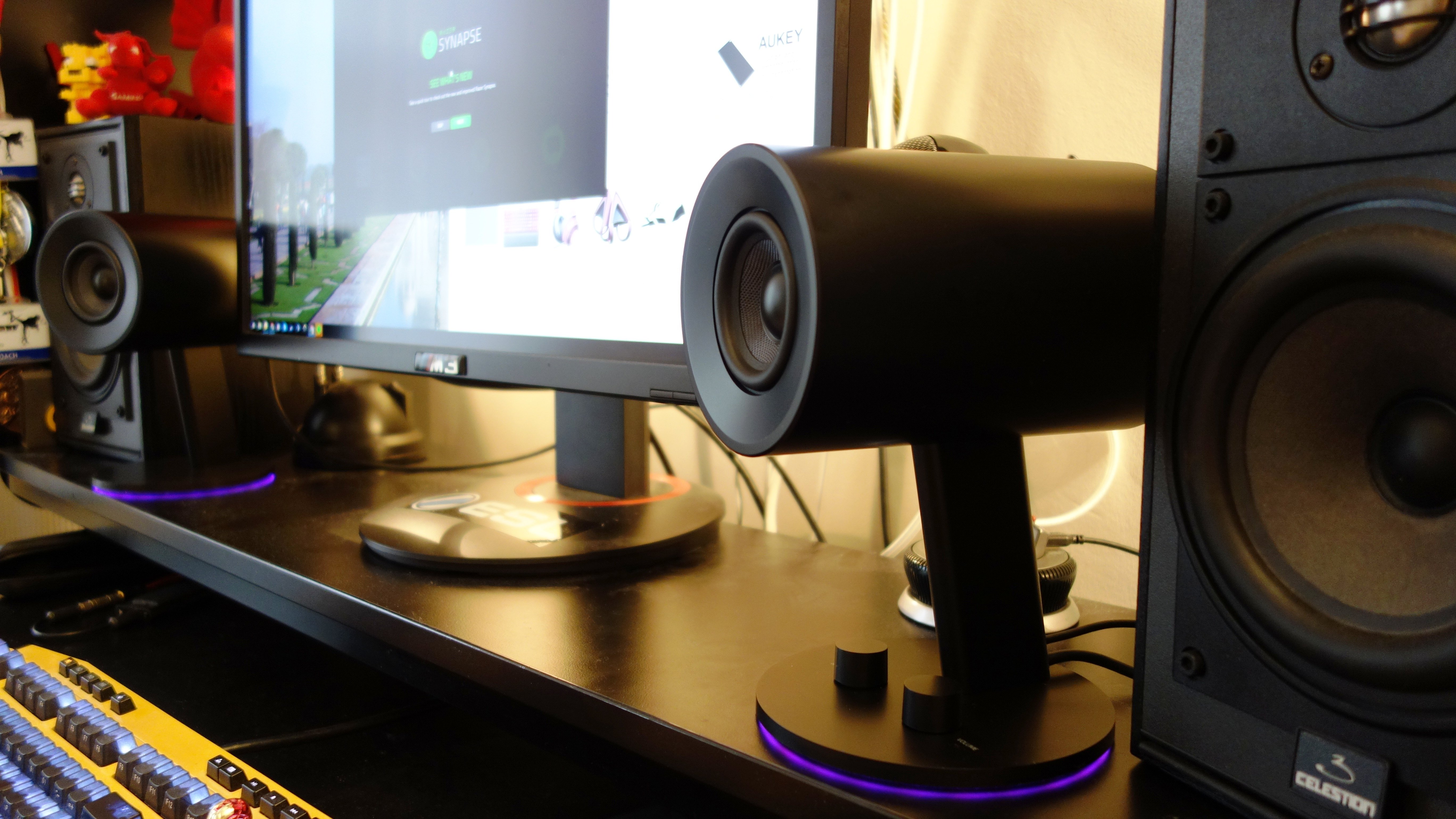 Razer Nommo Chroma Review Cylindrical 2 0 Pc Speakers