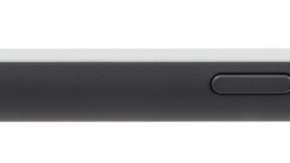 HTC Desire 620 side