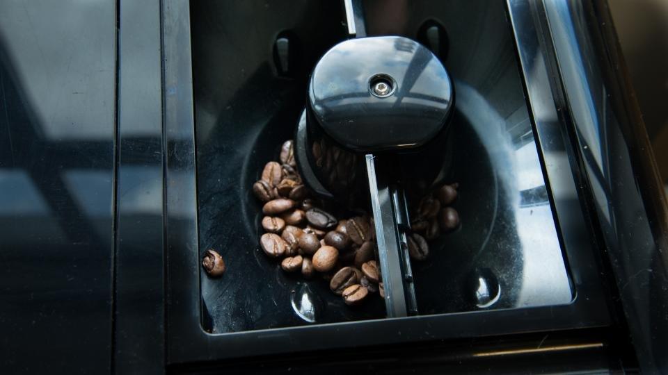 Coffee Maker With Bean Hopper : Melitta Caffeo Barista TS review Expert Reviews