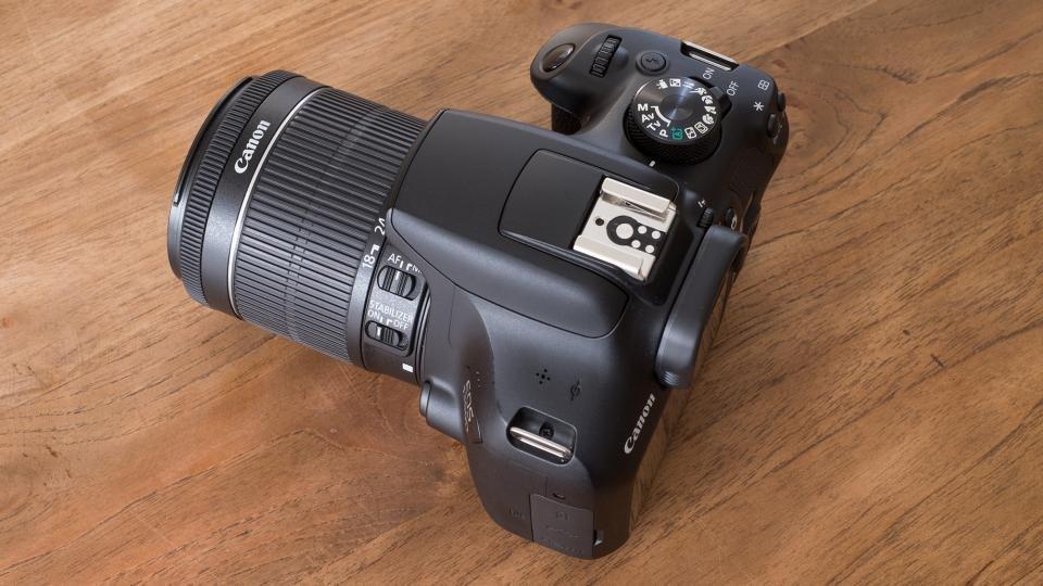 Canon EOS 1300D angle