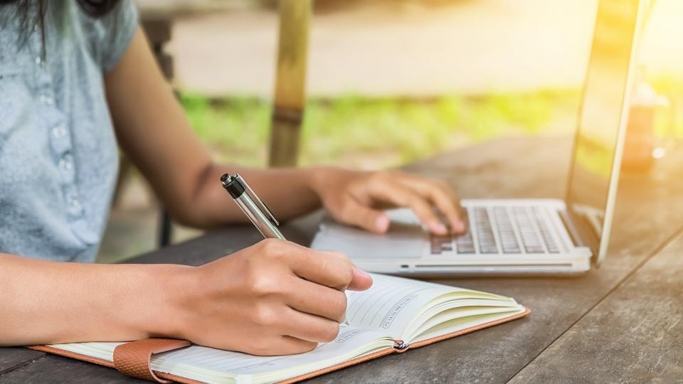 Best websites reviewing essays