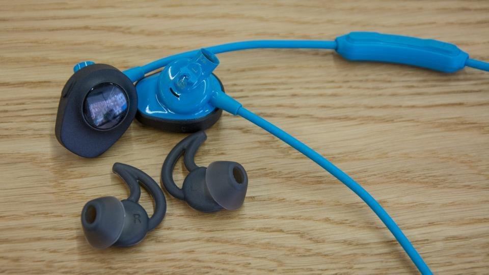 bose sport earphones wireless. bose soundsport wireless review with eartips sport earphones