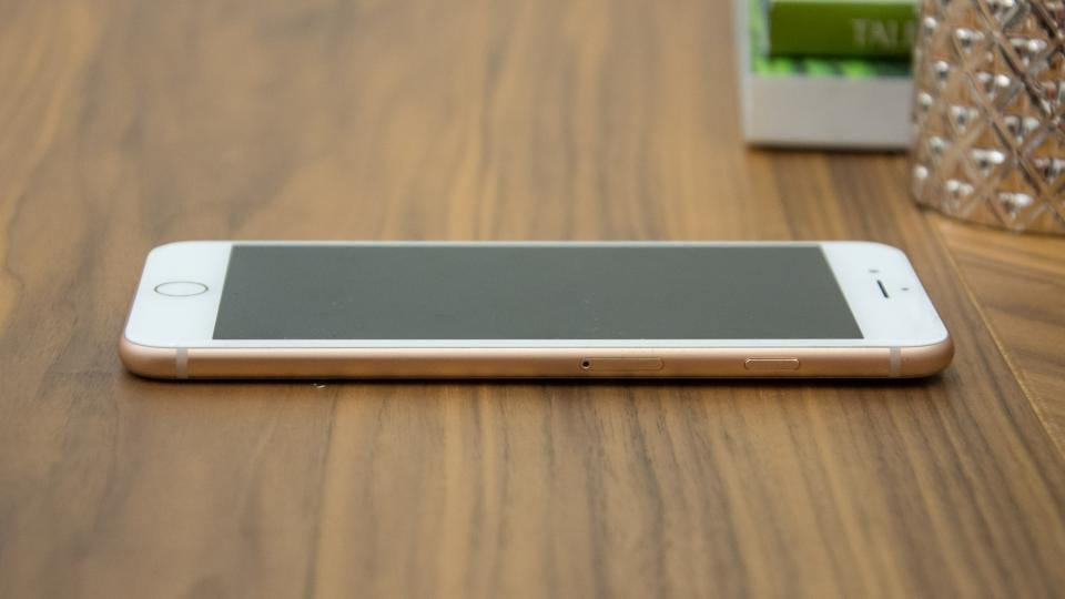 Apple iPhone 8 Plus side on