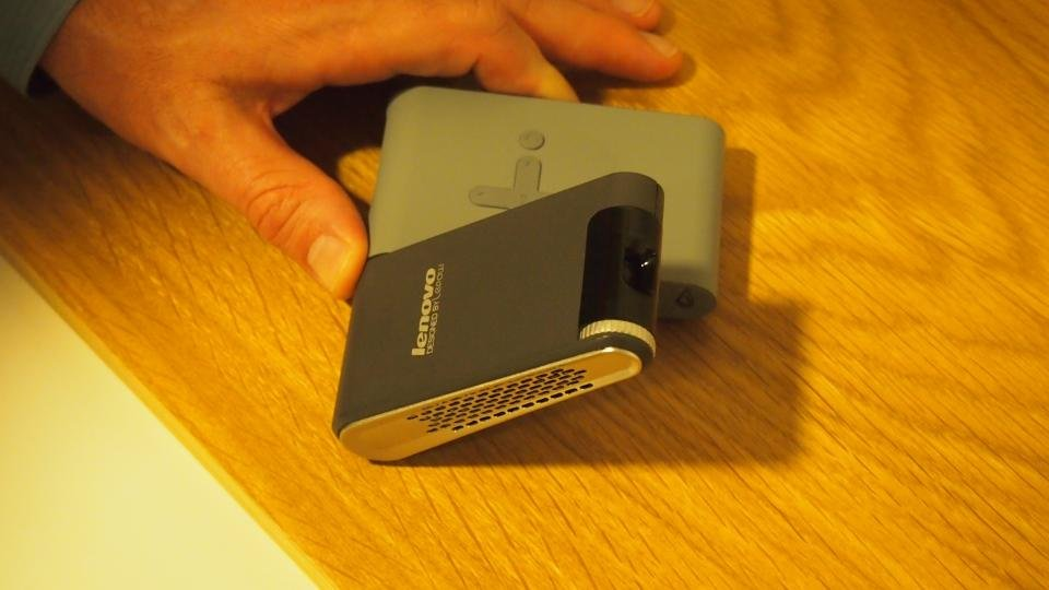 Lenovo pocket projector review hands on expert reviews for Best pocket size projector