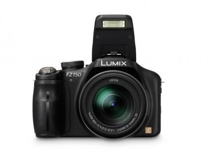 Panasonic Lumix DMC-FZ150 front