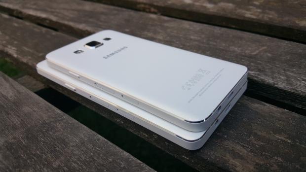 Samsung Galaxy A5 size comparison with Galaxy A3