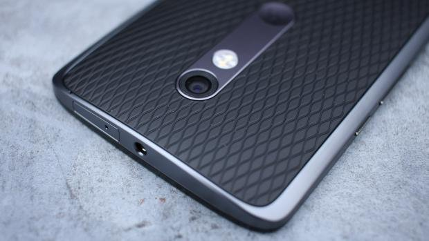 Moto X Play rear camera detail