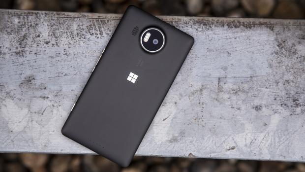 Microsoft Lumia 950 XL rear