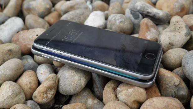 Samsung Galaxy S6 vs iPhone 6 size comparison