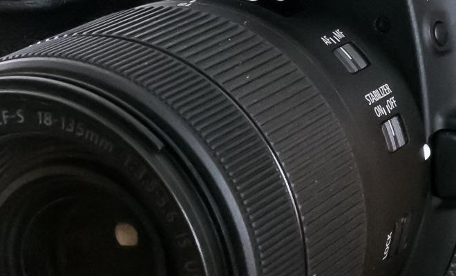 Canon EOS 80D main