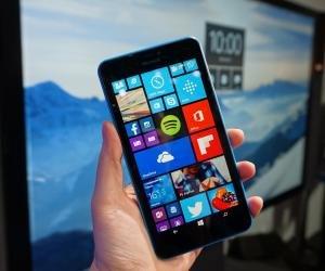 Lumia 640 XL front