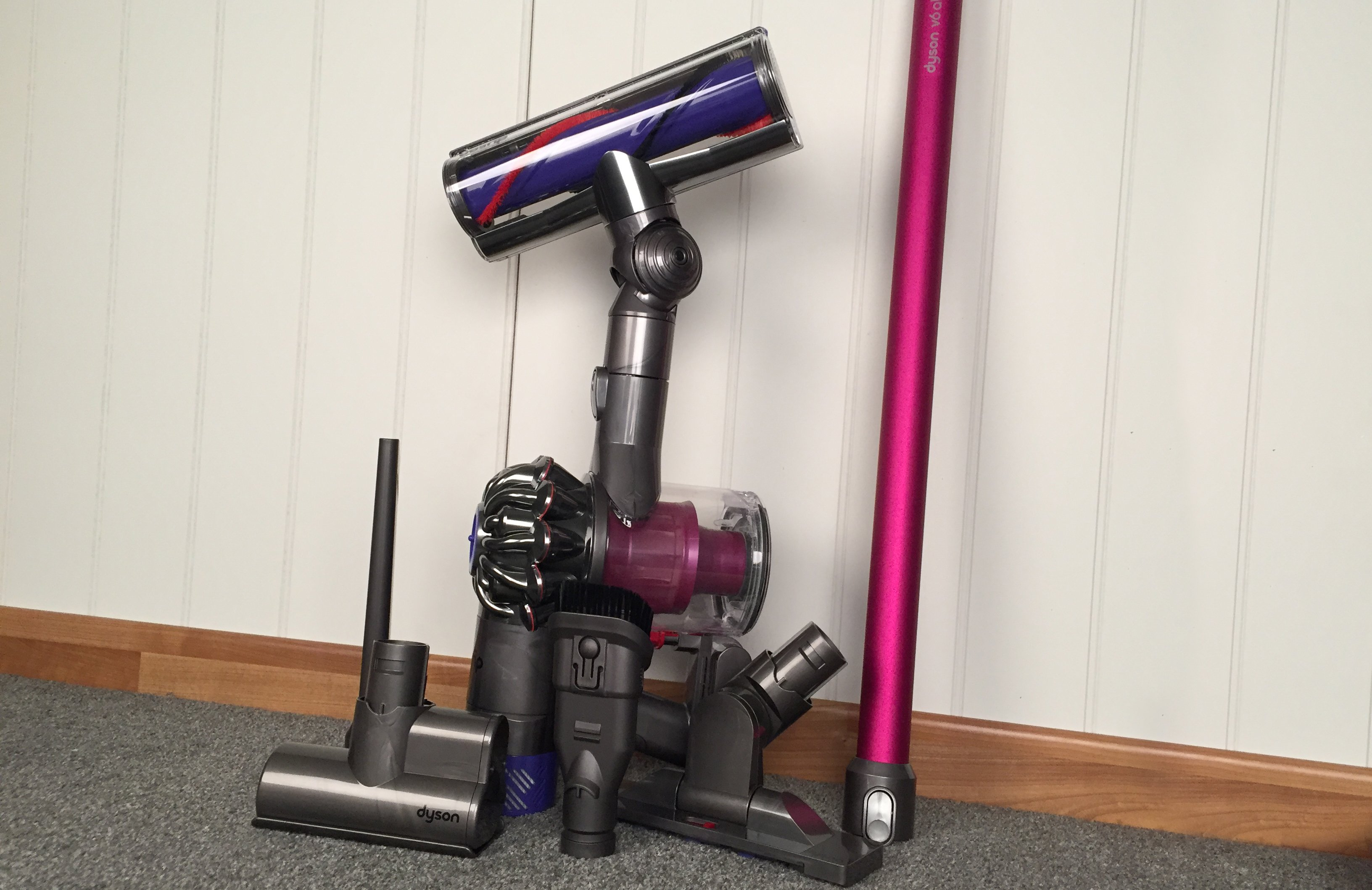 Image of: Motorhead Cordless Dyson V6 Absolute Expert Reviews Dyson V6 Absolute Review One Of The Best Cordless Vacuum Cleaners