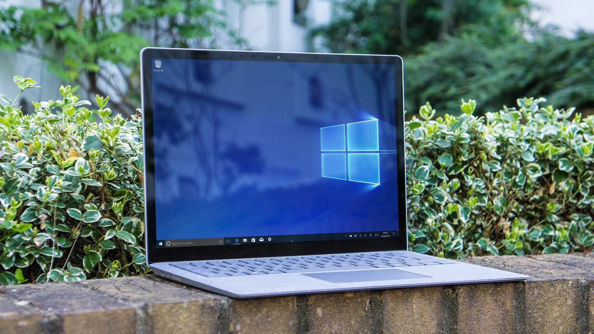 microsoft surface laptop review aims at the student offs. Black Bedroom Furniture Sets. Home Design Ideas