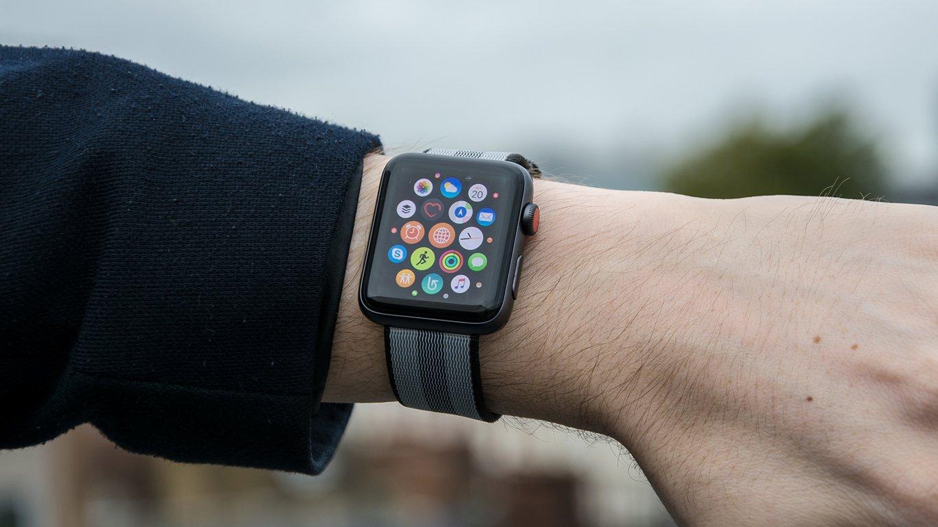 Apple watch series 2 nike plus 42mm review