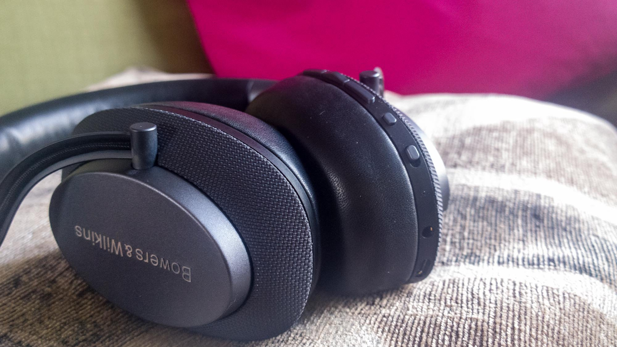 Bowers Wilkins Px Review A Stylish Understated Alternative To