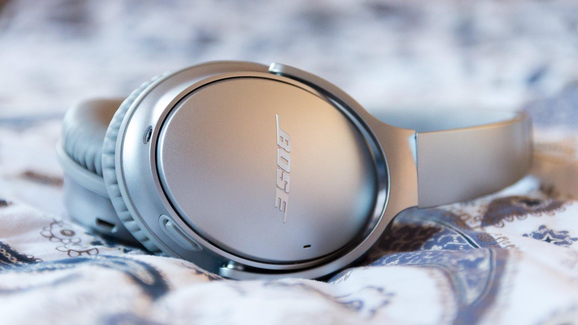 Bose quietcomfort 35 (series i wireless headphones noise cancelling black review