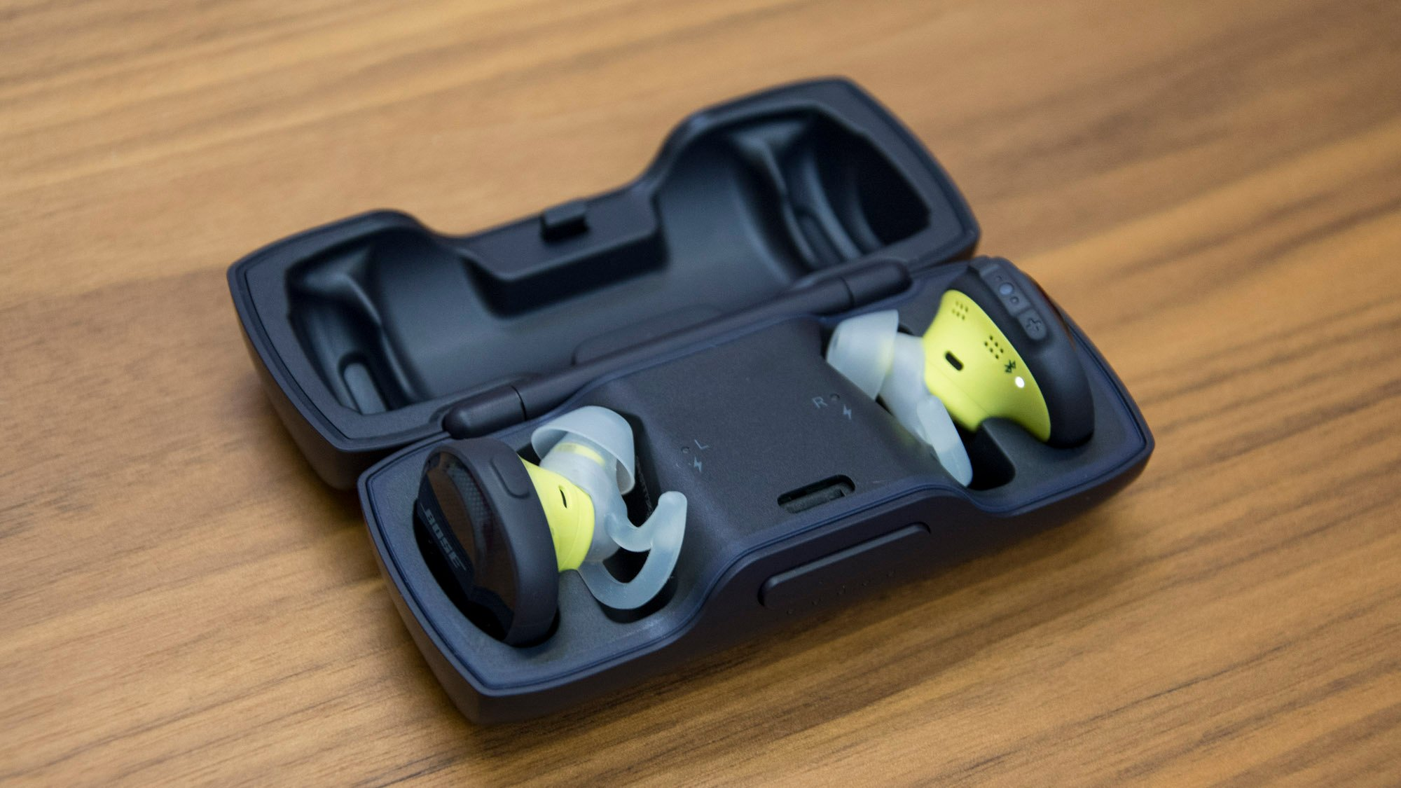 Bose Soundsport Free Review Cut The Wire With These Exercise Wireless Earphone Orange Friendly Earphones Expert Reviews
