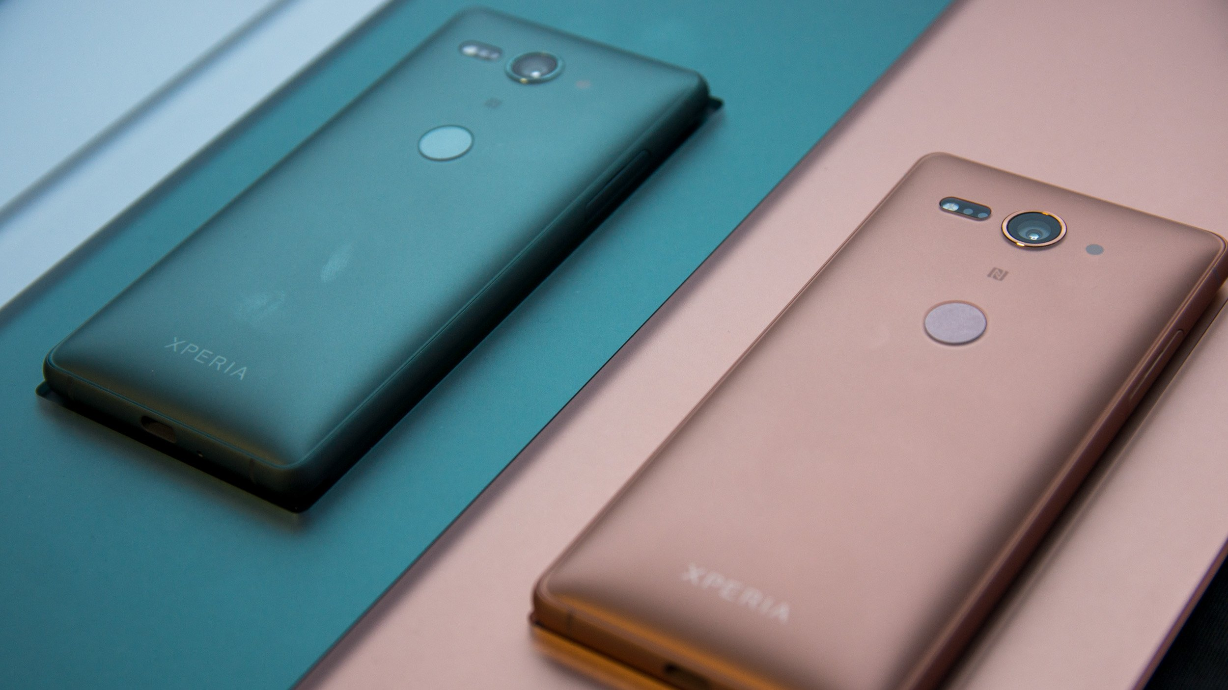 Best small smartphone 2019: Buck the phablet trend with these brilliant  compact smartphones | Expert Reviews