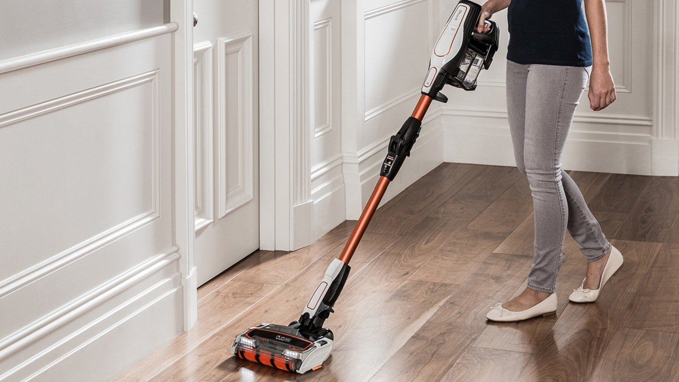 best cordless vacuum cleaners banish dirt and dust without the wires expert reviews. Black Bedroom Furniture Sets. Home Design Ideas