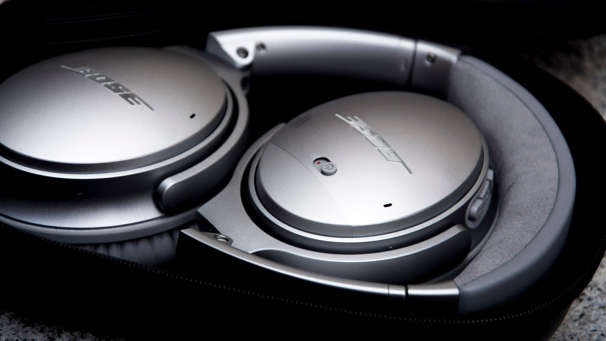 143dd092aa8 Bose QuietComfort 35 (series 1) review: A classic design, superseded |  Expert Reviews