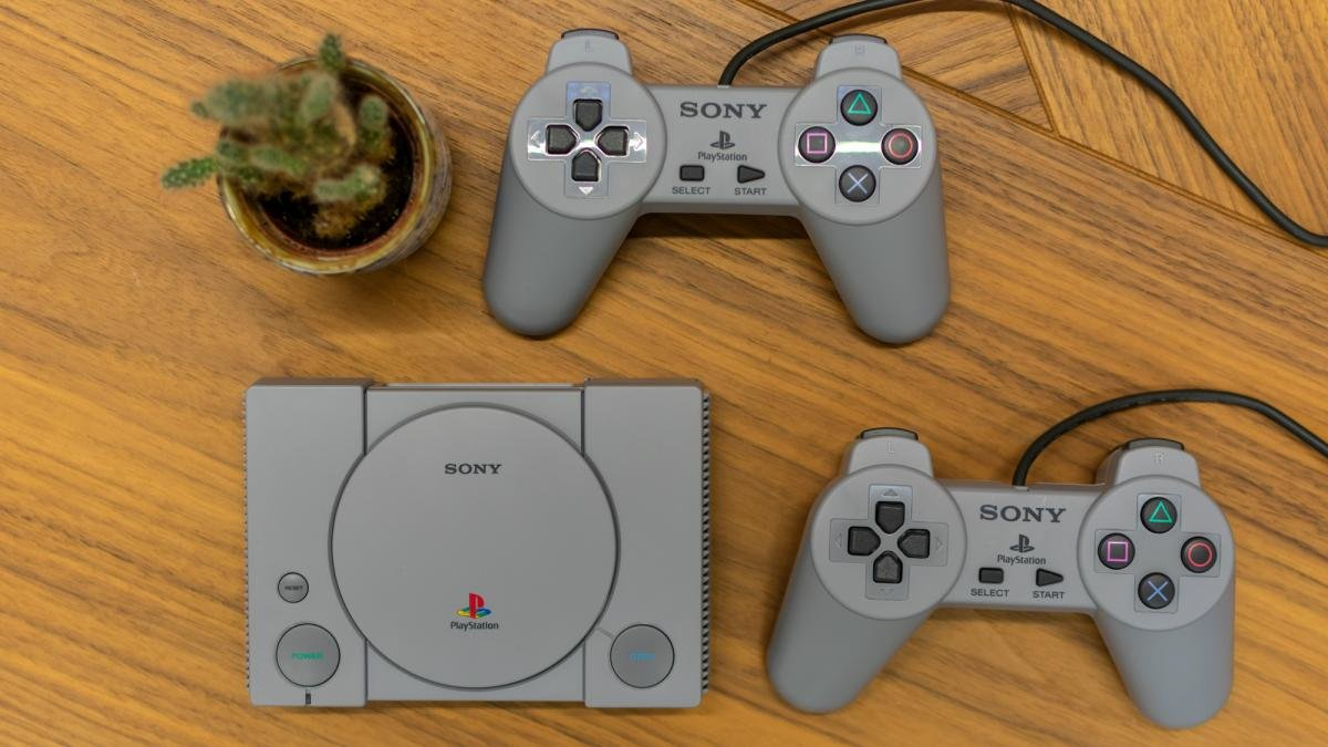 The PlayStation Classic price has tumbled in the Boxing