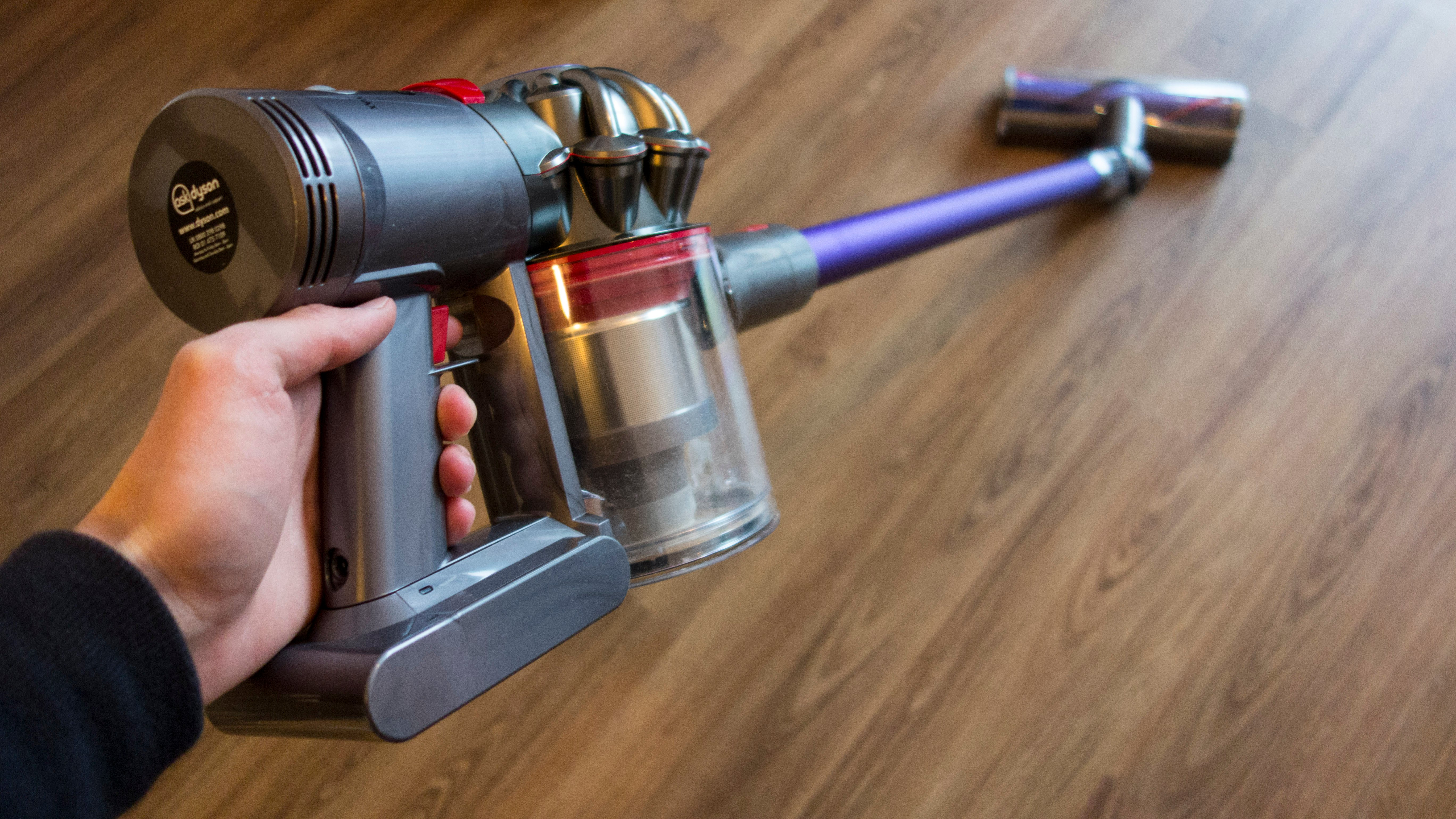 Dyson V7 Animal Review The Cheaper Cordless Dyson Expert Reviews