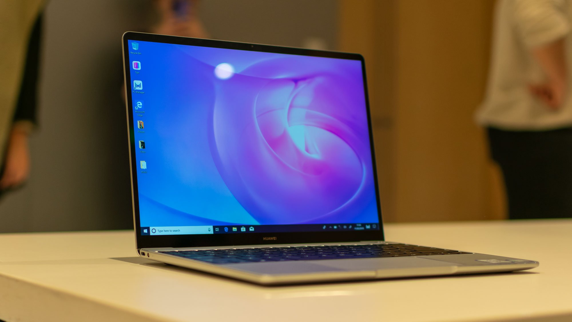 Image result for Huawei Matebook 13 Display and Audio
