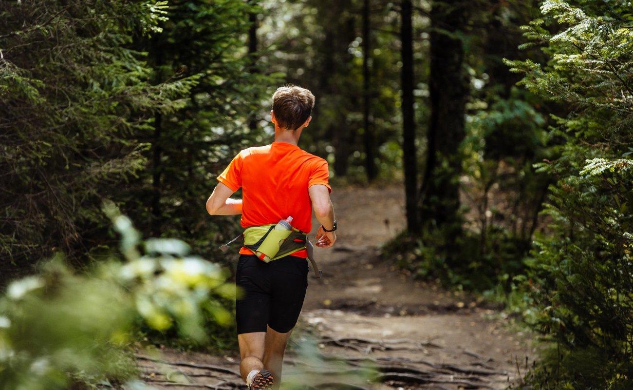5ed9bff6d3 Best running belts: Keep phones, cash and gels safe when jogging | Expert  Reviews