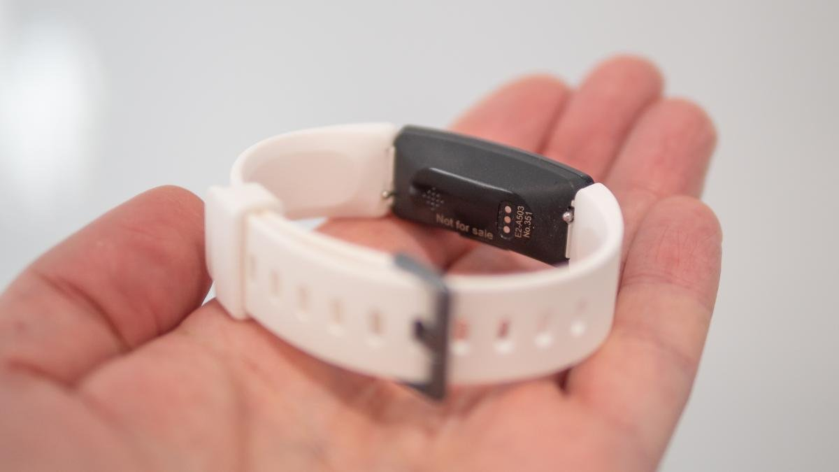 Fitbit Alta vs Fitbit Inspire: Which is best? | Expert Reviews