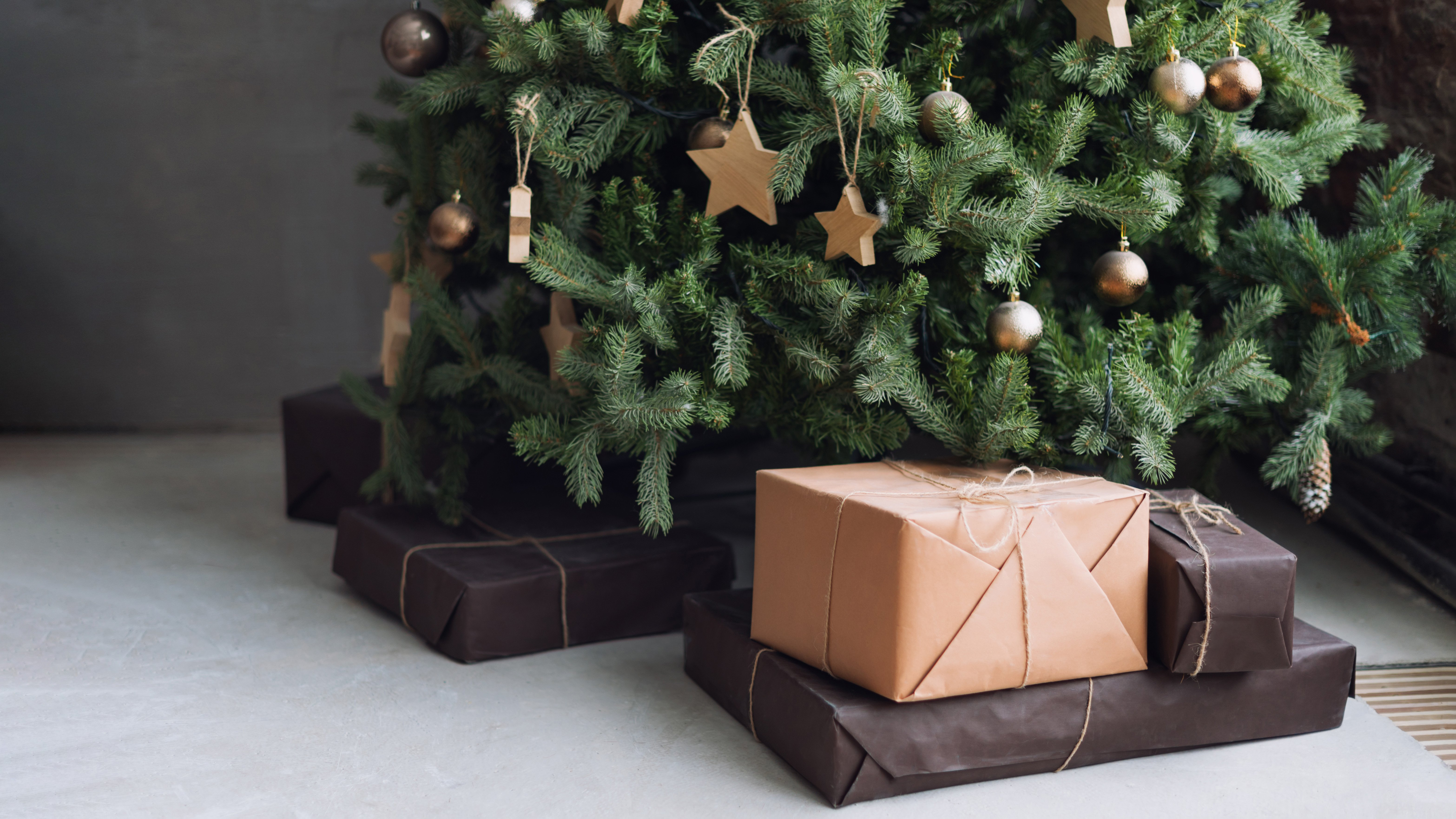 best artificial christmas tree 2020 have a hassle free xmas with our pick of the best fake christmas trees expert reviews