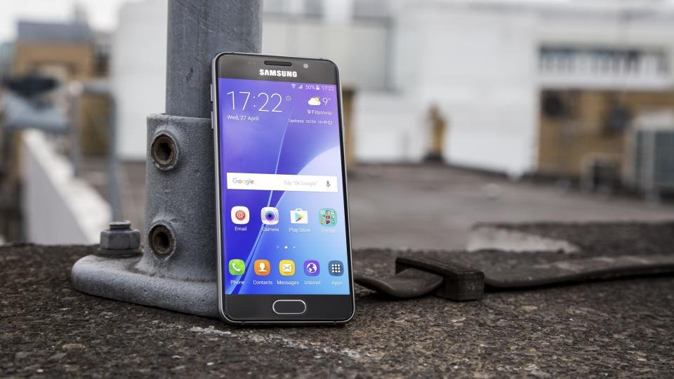 Afholte Samsung Galaxy A3 (2016) review: The S6 Mini in disguise   Expert AR-75