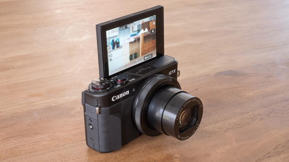 Canon G7 X II flipscreen