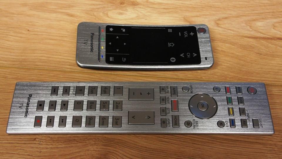 Panasonic TX-58DX902B remote controls