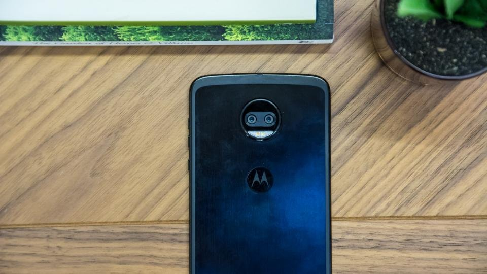 Motorola Moto Z2 Force review: Moto's indestructo-phone is