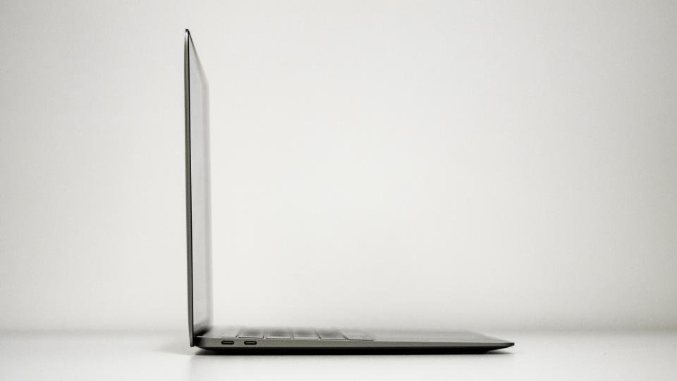 Apple Macbook Air Review An Icon Reborn Expert Reviews