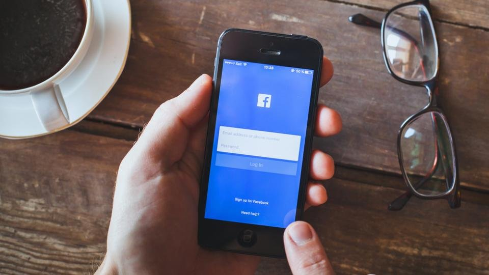 400 million phone numbers of Facebook members leaked online