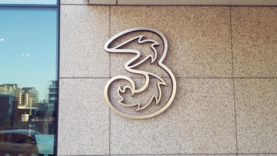 Three will NOT automatically compensate customers for outage – but