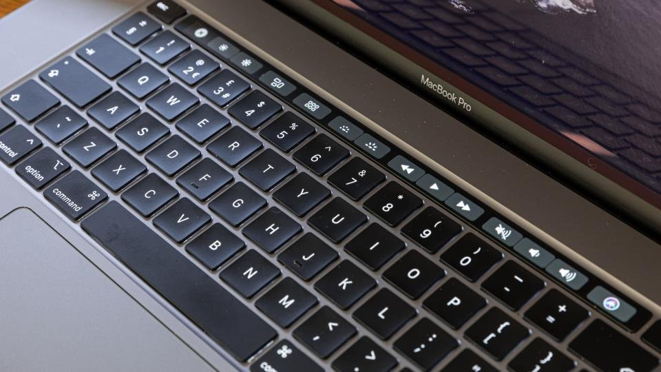 Official filing suggests an Apple MacBook Pro 13in with Magic