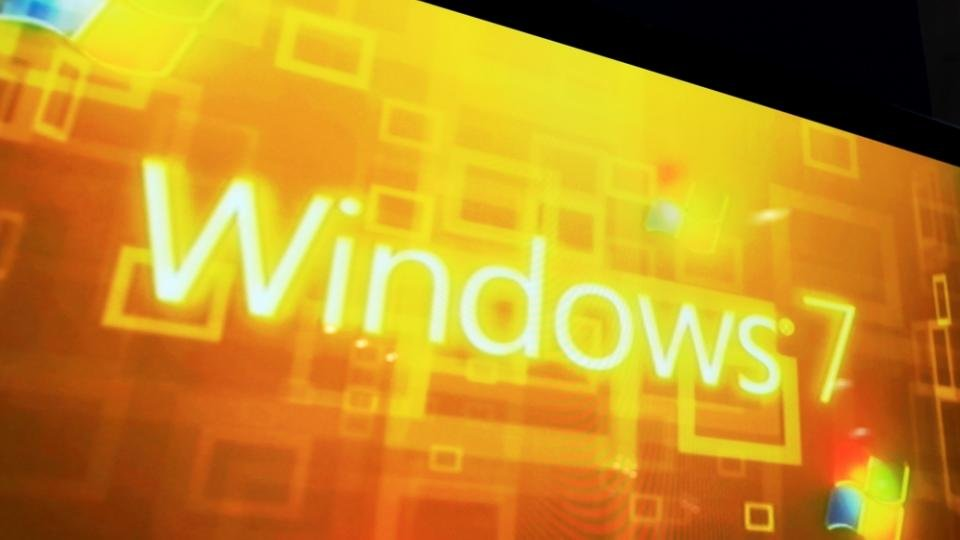 Windows 7 users warned to stop using online banking and emails ASAP