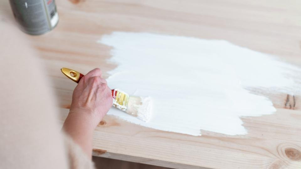 Wood Paint For Your Outdoor Furniture, What Kind Of Paint Is Best For Outdoor Wood Furniture