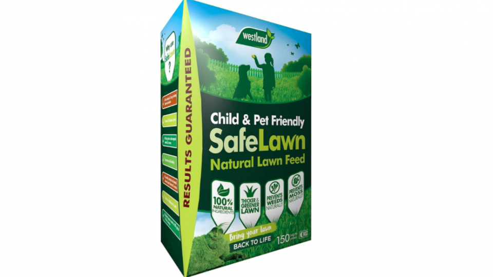 Best lawn feed 2021: Create a lush green lawn from just £8