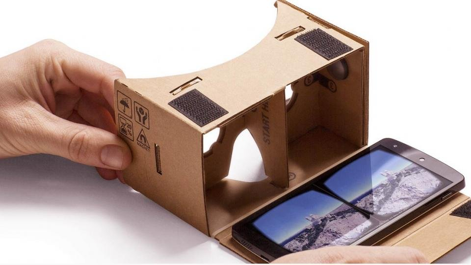 """Google Cardboard """"open sourced"""" now that the Daydream is over"""