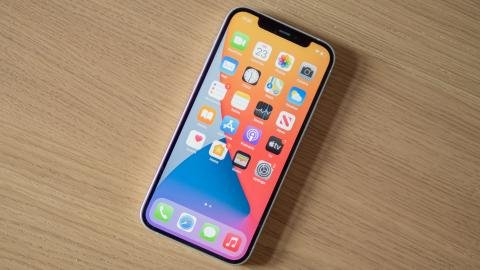 apple_iphone_12_review_3.jpg?itok=JUz5idCl